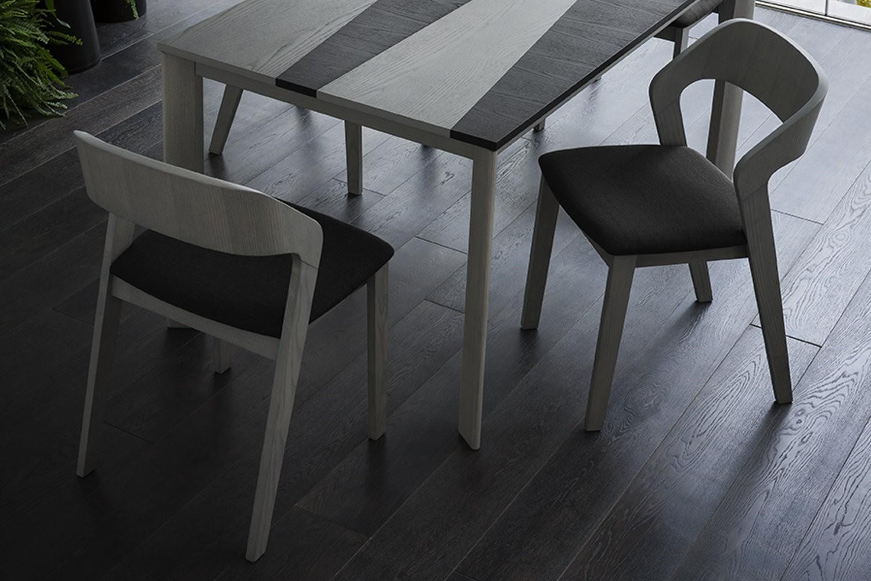 Sedie in legno napol enna mobili incardone for Produttori tavoli allungabili